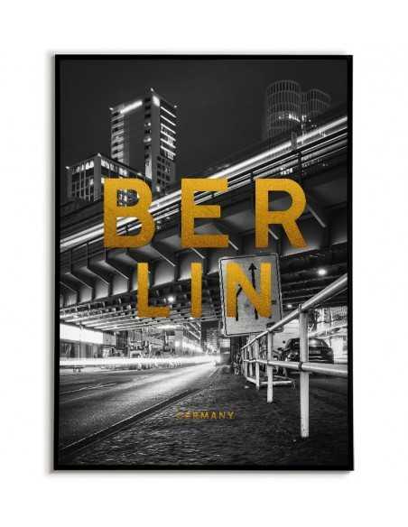 Plakat z berlinem. Plakat z nazwą miasta Berlin i ze złotymi napisami.