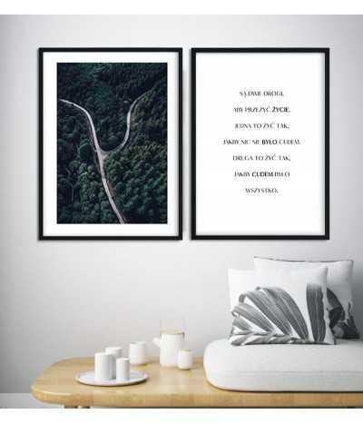 Piękny zestaw plakatów w stylu skandynawskim. Plakat fotograficzny i typograficzny z cytatem dwie drogi
