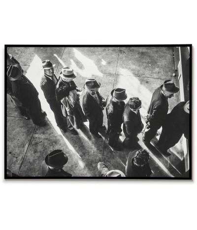 Plakat, grafika do ramki stara fotografia. Stany zjednoczone lata 30. Zdjęcie czarno białe z ludźmi w kapeluszach.