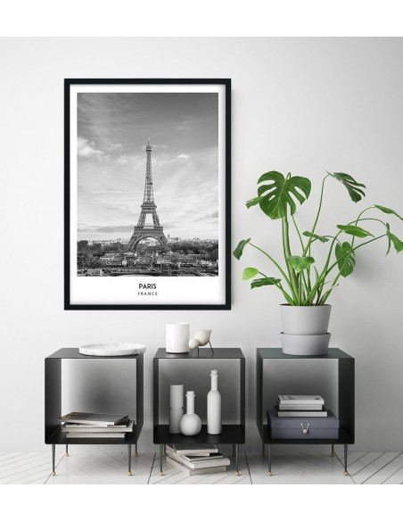 Plakat z paryżem i wieżą eiffla z podpisem. Plakat z miastem na ścianę.